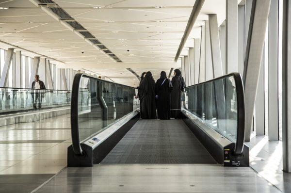 femme emirats arabes unis